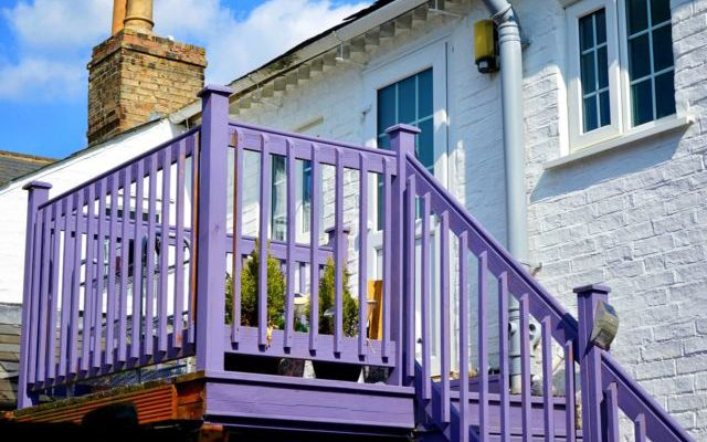How to Incorporate Colour of the Year, Ultra Violet, into Your Home