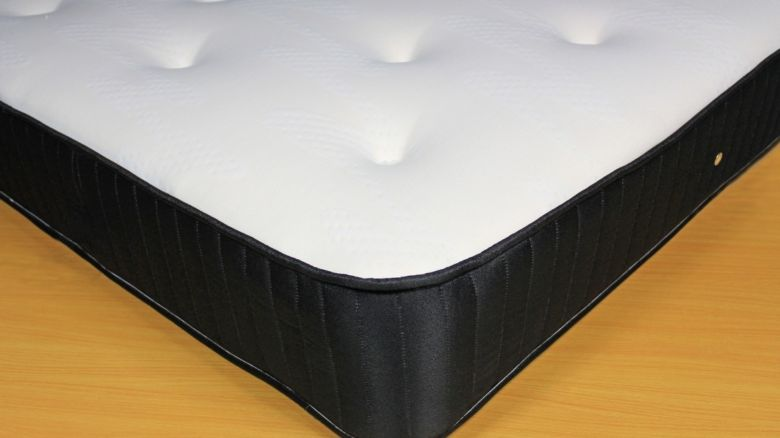 Everest Memory Foam Coil Sprung Mattress Single