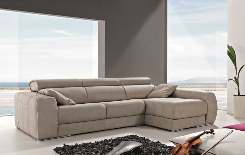 Carmen Italian Leather Corner Group Sofa